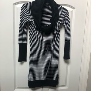 BCBG MaxAzria Black & white striped tunic size Med